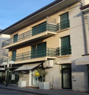 Apartment pedestrian area of Forte dei Marmi 100 m from the sea